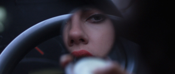 Under the Skin: Scarlett's watching you (als je een vrijgezelle man bent althans...)